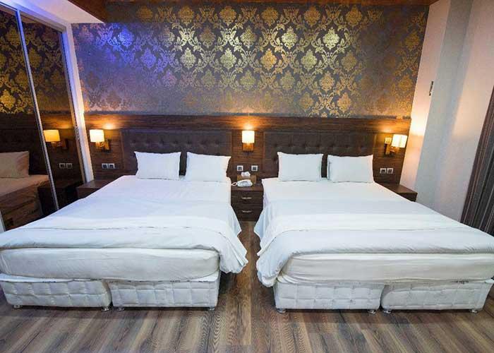 عکس اتاق چهار تخته هتل ارگ محتشم قمصر